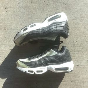 Nike Air Max 95 SE brushed metal